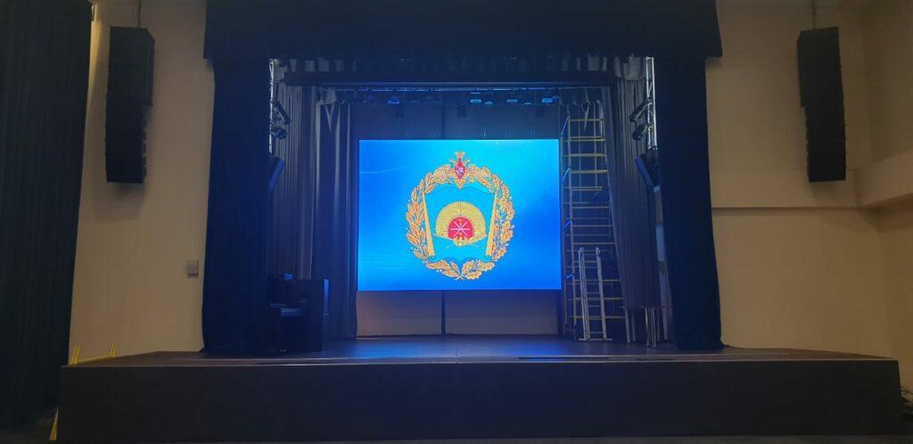 Экран для Суворовского училища